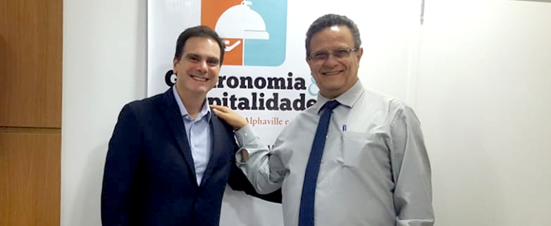 Presidente Edson Pinto se reúne com gerente geral do Hotel The Premium