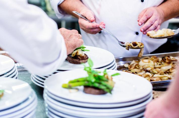 Chefs e restaurateurs dão dicas preciosas sobre a mão de obra em restaurantes