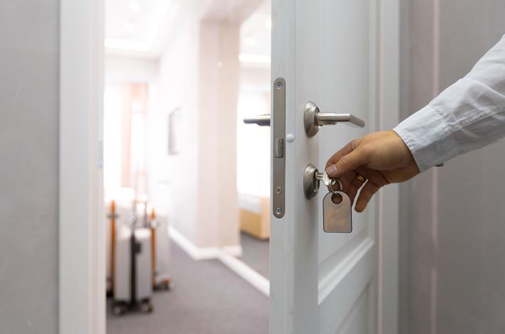 O que são meios de hospedagem e quais tipos existem?