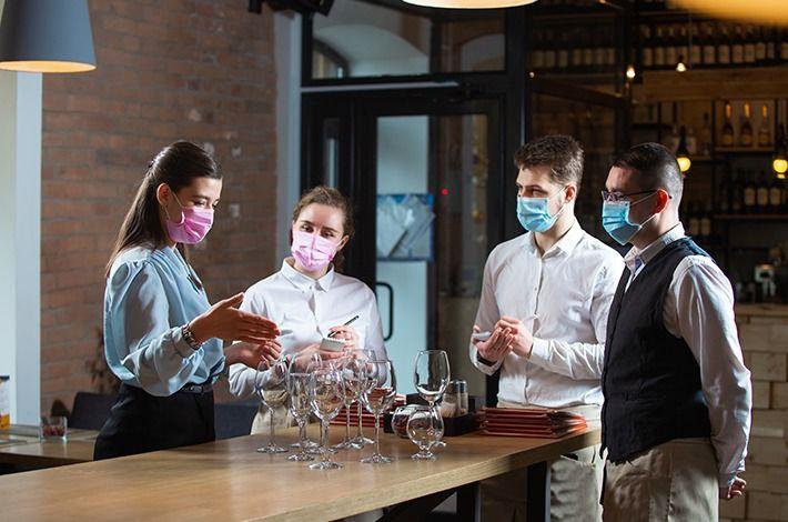 Como preparar seu staff para seguir regras e cuidados em restaurantes?
